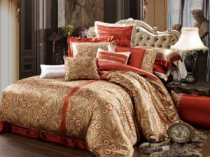 Taihu Snow Home Textile Made in China Luxury Hot Drilling Silk Printing Wedding Bedding Set pictures & photos