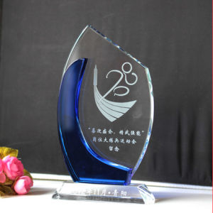 New Design Customeizde Crystal Trophy for Souvenirs with Stare pictures & photos