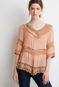 Women Fashion 3/4 Sleeves Macrame-Trimmed T-Shirt pictures & photos