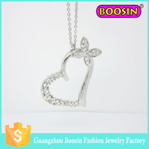 Fashion Silver Butterfly Necklace Pendant Crystal Heart Charm pictures & photos