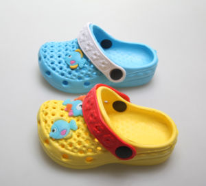 New & Trendy High Quality Children′s Clogs pictures & photos