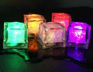 Waterproof Flashing Ice Cube LED Bulb Candle pictures & photos