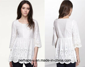 Pretty Embroidery Pattern Ladies Cotton Blouse pictures & photos