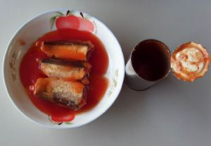 Good Quality 155g Canned Sardine Fish in Tomato Sauce pictures & photos