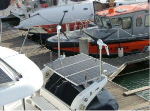 400W Horizontal Windmill & Solar Power Hybrid System for Boat Use pictures & photos