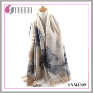 2016 High Quality Noble Begonia Print Satin Cotton Scarf pictures & photos