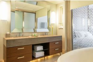 Foshan Modern Bathroom Furniture Sanitary Ware Wooden Bathroom Cabinet pictures & photos