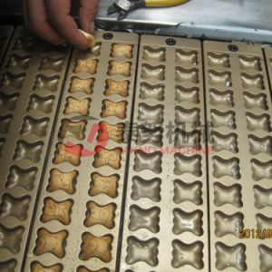 Animal Shape Chocolate Filled Biscuit Machine pictures & photos