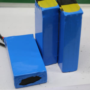 Rechargeable 24V 12V 30ah 60ah Solar LiFePO4 Battery pictures & photos
