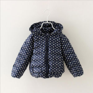 Fashion Printed DOT Girl Coat for Children Clothing pictures & photos