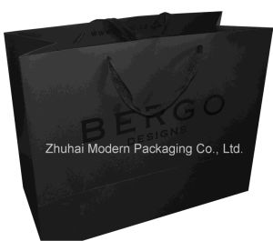 Accept Customized Matt Black Color UV Coating Hot Stamping Paper Bag pictures & photos