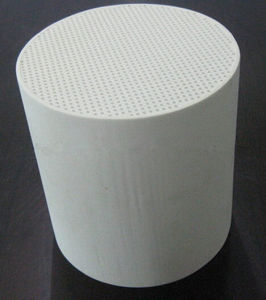 Cordierite Diesel Particulate Honeycomb Ceramic Filters (DPF) pictures & photos