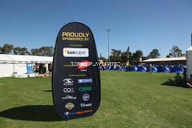 Custom Fabric Printed Attractive Spring Stainless Steel Outdoor Exhibition a-Frame Vertical Golf Sports Advertising Pop up out Flag Banner Display Sign Stand pictures & photos