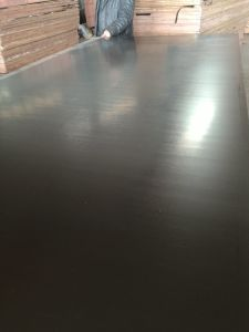 Black Film Laminated Plywood Poplar Core Phenolic Glue pictures & photos