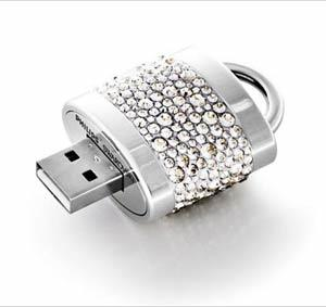 2015 New Design Flashion Metal Crystal Key Shape USB Flash Drive pictures & photos