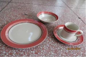Featured Ceramic Color Drawn Table Dinnerset pictures & photos