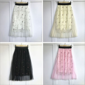 Plaid Floral Front Button Solid Color Elastic Waist Pleated Mini Skirt pictures & photos