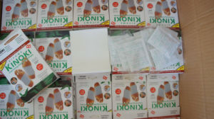 Kiyome Kinpki Detox Foot Pads Ginger Salt Constipation Treatment Detox Foot Patch pictures & photos