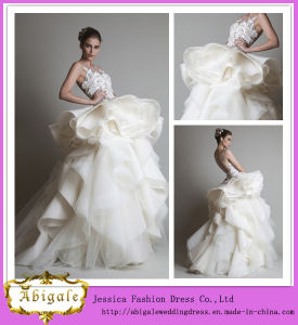 Latest Designs Floor Length A-Line Lace Appliqued Organza Layered Wedding Gown (WD04) pictures & photos