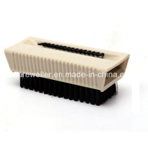 Medical Resuable Surgical Scrub Brush with Nail Cleaner pictures & photos