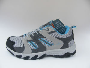 Boys Outdoor Walking Shoes pictures & photos
