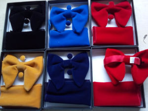 Newest Velvet Oversize Pocket Square Cufflinks Bowties Set with Gift Box Logo Label Acceptable pictures & photos