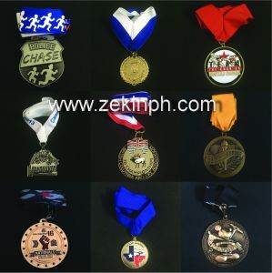 Factory Custom Trophy Shape Metal Medals with Gold Plating pictures & photos