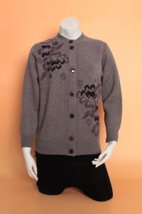 Yak Wool Cardigan Sweaters/Cashmere Garment/Knitwear Clothing/Wool Textile/Fabric pictures & photos