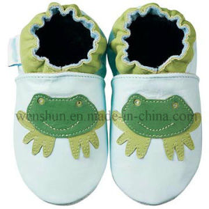 Lovely Frog Pictures Baby Leather Shoes Ty6609 pictures & photos