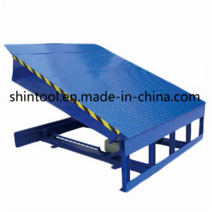 10 Ton Fixed Loading Ramp Dcq10-0.55 with 2000*2000mm Platform Size pictures & photos