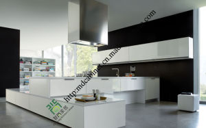 China Professional Manufacturer White Kitchen Cabinet pictures & photos