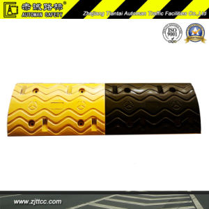 Highly Reflective Industrial Rubber Car Speed Safety Bump (CC-B30) pictures & photos