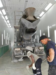 Wld15000 Bus & Truck Spray Paint Booth for Garage Workshop pictures & photos