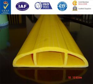 PVC Cable Protector, All Mount Cable Protector PVC Cable Protector, Heavy Duty Durable Yellow Ramp PVC Cable Ramp Rubber Cable Protector pictures & photos