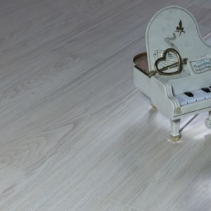 12.3mm Cherry AC3 V-Groove Laminate Flooring pictures & photos