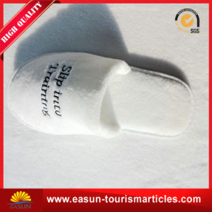 Wholesale High Quality Personalized Hotel Slippers pictures & photos