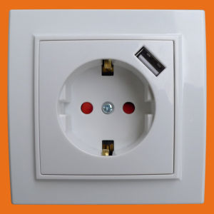 Europe Type - Ce Approved Wall Socket with USB - (F8810) pictures & photos