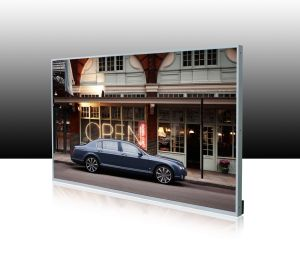 65′′ Hi-Bright LCD Display/Digital Signage with Multimedia Information Publishing Software pictures & photos