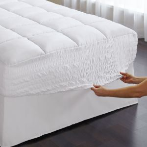 Hollow Fiber Filled Cotton Quilted Mattress Protector pictures & photos