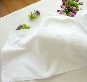 High Quality Hote Bath Towel 80X160cm 550g Plain 32s pictures & photos