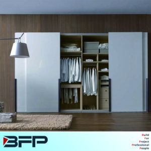 Wooden Bedroom Wardrobe Closet Cabinets with Sliding Door pictures & photos