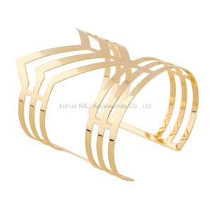 Fashion Punk Hollow-out Design Opened Cuff Bangles Bracelets Gold Plated Women Jewelry pictures & photos