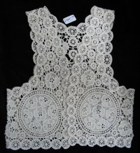 Elegant Lace Blouson (GRNL11 463) pictures & photos