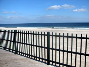 Modern Seaside Security Fence Exporting to Us and Europe pictures & photos