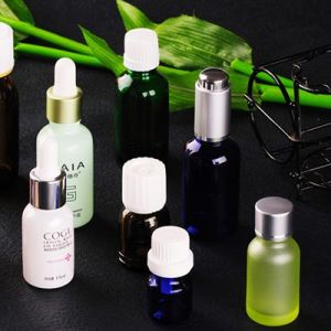 High Quality Cosmetic Spray Bottles pictures & photos