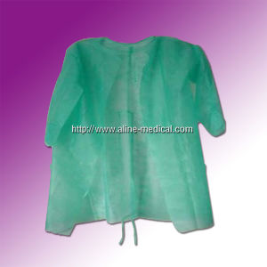 Isolation Gown or Surgical Gown (MC121B) pictures & photos