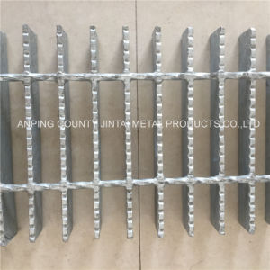 Serrated Steel Grating 323/30/100mm