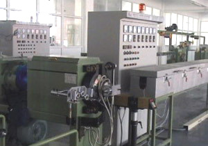 Silicone Gel Cable Extrusion Production Line pictures & photos