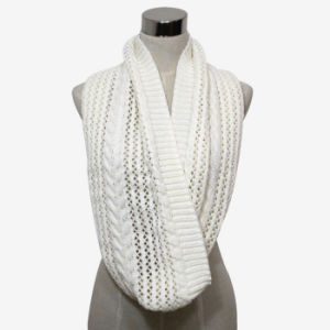 Lady Fashion Acrylic Knitted Infinity Loop Scarf (YKY4356) pictures & photos