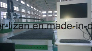 CNC Machining Center with 20 Auto Tool Changer pictures & photos